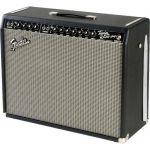 Fender 65 Twin Reverb - вид под углом
